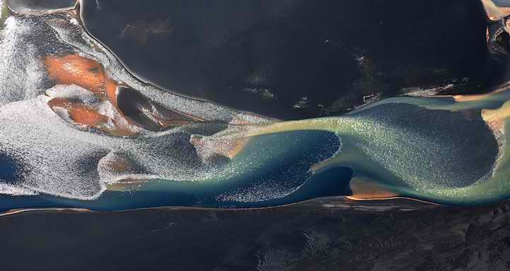 航拍冰岛火山河 如同一条条蛟龙伏动